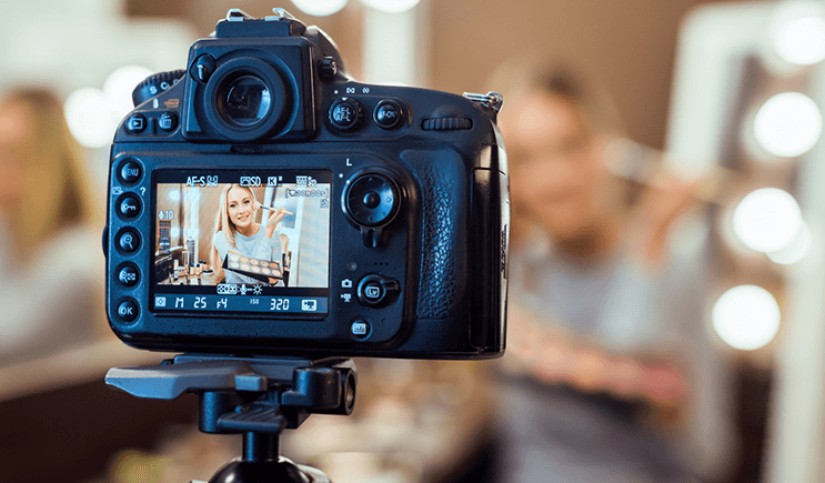 What does it mean to be a vlogger?
